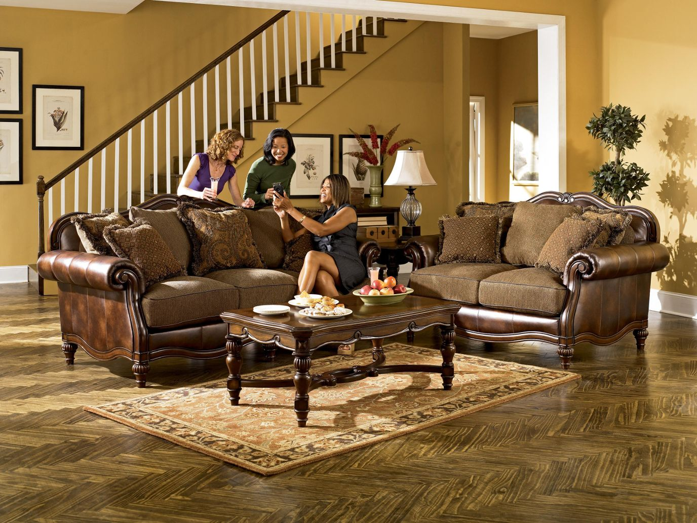 Etonnant Claremore   Antique Living Room Set By Ashley Furniture