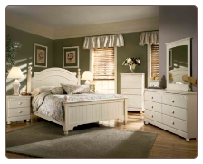 Cream Cottage - Queen Poster Bedroom Set	(B213)
