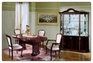 Sarah mah Dining Room Set